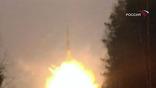 Для борьбы с астероидами предлагают использовать уже существующие ракеты с ядерными боеголовками. А возможно, на астероид придется высаживаться и закладывать ядерную взрывчатку