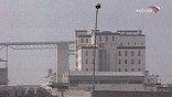Накануне инспекторы ООН попытались проехать на один из заводов с проверкой, и там их встретила огромная демонстрация
