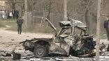 В результате двух взрывов в дагестанском Кизляре погибли 12 человек. Среди погибших - начальник Кизлярского ОВД Виталий Ведерников. В больницу доставлены 27 пострадавших