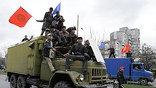 Пятница и суббота объявлены в Киргизии днями траура. В стране приспущены флаги, во всех регионах пройдут траурные мероприятия (фото AP)