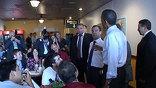 Президенты позавтракали в демократичной закусочной