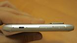 N8 - не самый тонкий из современных смартфонов.