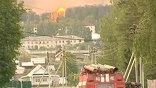 Пожарная бригада едет к месту взрыва