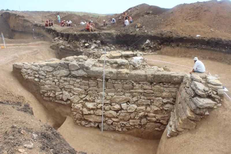 ВКрыму отыскали двухтысячелетнюю античную крепость