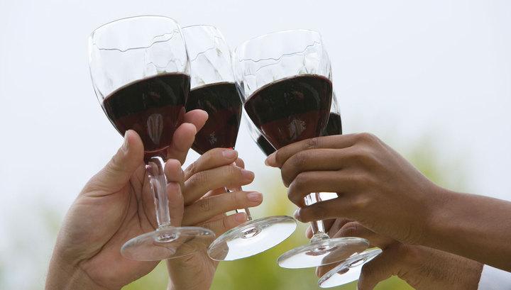Россиян призвали не лечиться алкоголем