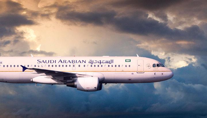 Лайнер Saudi Arabian Airlines экстренно приземлился в Канаде ради спасения двухлетнего малыша