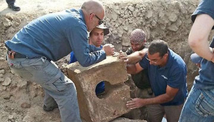Останки старинного туалета найдены вИзраиле
