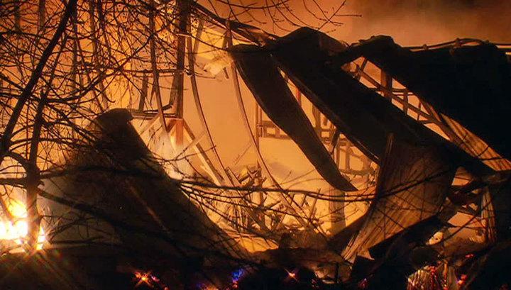 У железной дороги в Кубани горят хлебные склады
