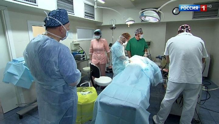 Московские врачи прооперировали девочку с застрявшей в плече дверной ручкой