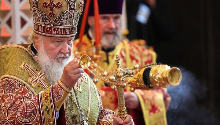 Патриарх Кирилл обвинил Порошенко во вмешательстве в дела Церкви