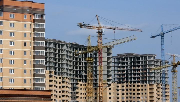 Опуститься на ступеньку ниже: для чего премиальным девелоперам массовое жилье