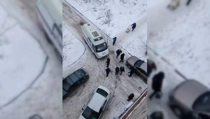 Житель Новочеркасска набросился на водителя скорой из-за упреков в незнании ПДД