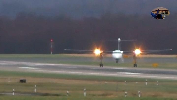 """При ураганном ветре в Европе отважные пилоты сажают самолеты """"крабом"""". Видео"""