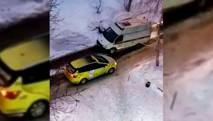Самарский таксист отказался уступить дорогу скорой помощи