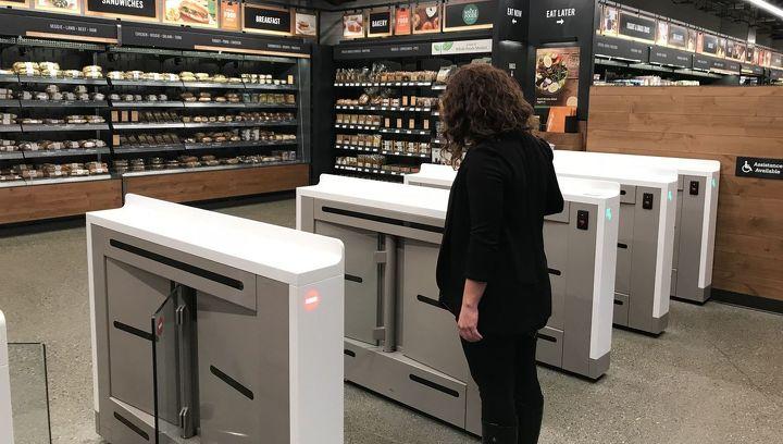 Amazon открывает супермаркет без касс и продавцов