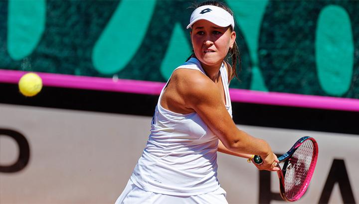 Australian Open. Рахимова в третьем круге, Чараева выбыла