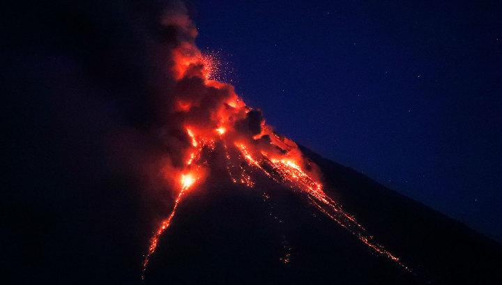 Тревожный день: Земля трясется, вулканы проснулись, цунами пока пронесло