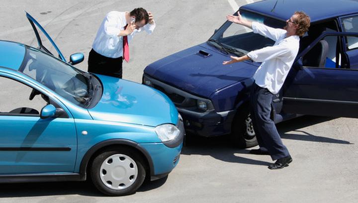 В Великобритании страховка машины обойдется дороже, если ты Мохаммед