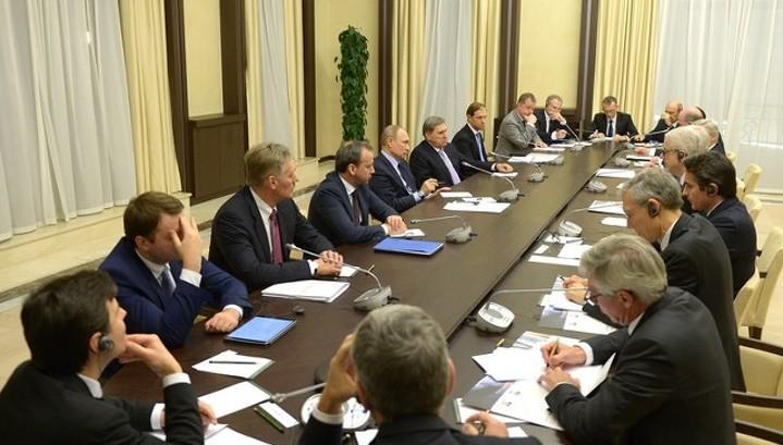Путин: РФ продолжит прагматичный диалог с Францией