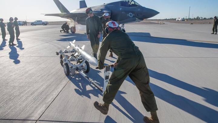 Япония желает приобрести уСША истребители F-35B