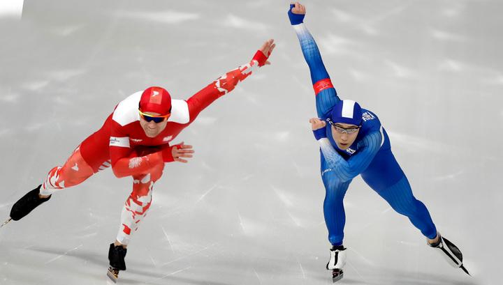 Конькобежцы разыграли награды на дистанции 500 метров