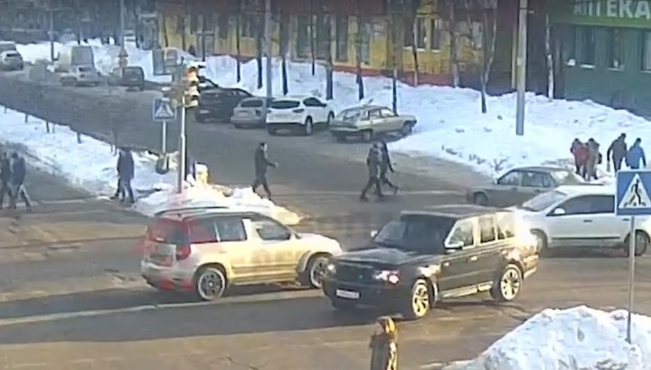 Женщина-водитель сбила трех школьниц на переходе в Ярославле