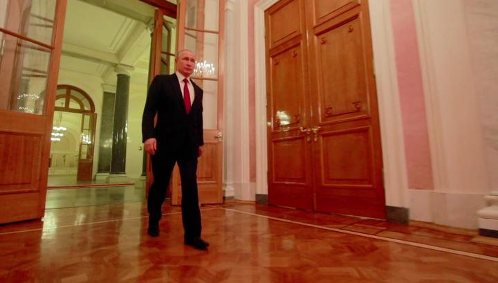 Путин планировал работать таксистом в Петербурге