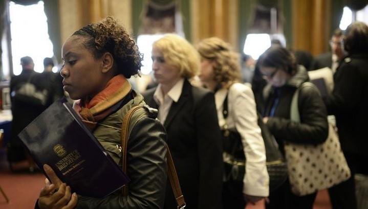Заявки по безработице в США выросли до 229 тысяч
