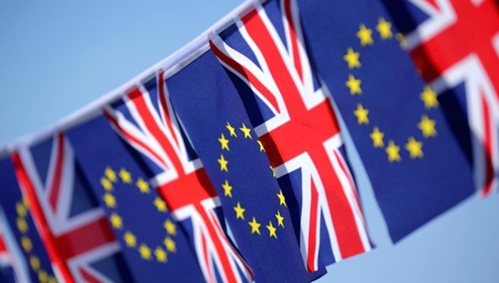 """Британия может """"напороться"""" на жесткий Brexit"""