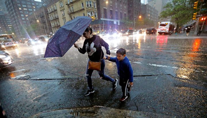 Мощные бури оставили без электричества 400 тысяч американцев