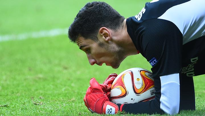 """Эмери хочет пригласить вратаря Рико в """"Арсенал"""""""