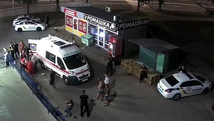 Ночью около киевского супермаркета произошла поножовщина