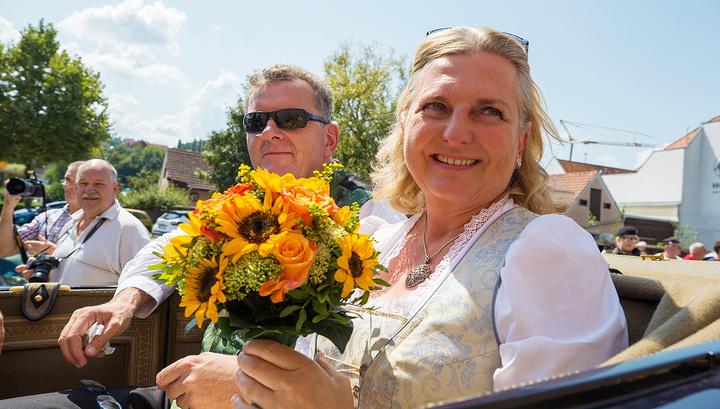 Пятки сверкали: артисты рассказали, что было на свадьбе Кнайсль