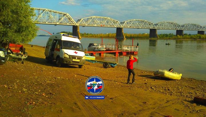 В Новосибирске катер налетел на мель на Оби, погиб человек
