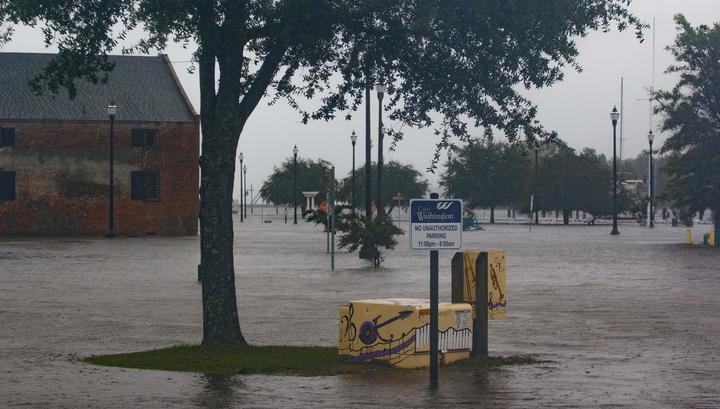 """Число жертв урагана """"Флоренс"""" в США увеличилось до 17 человек"""