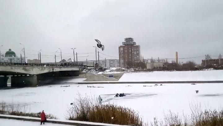 Очевидцы спасли рыбака, провалившегося под лед в Марий Эл