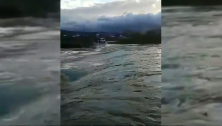 Вышедшая из берегов река снесла часть газопровода в Крымске