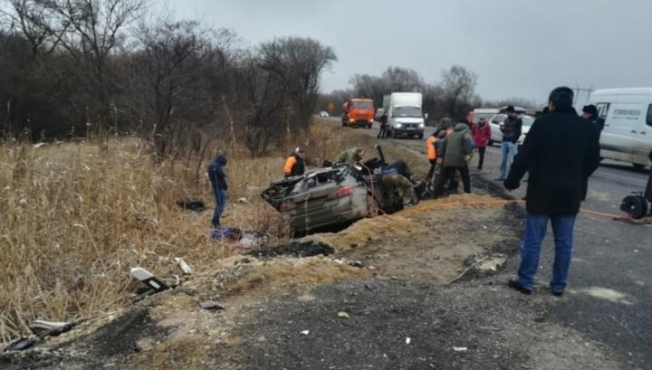 Три человека погибли в результате столкновения BMW и грузовика с щебнем на Ставрополье