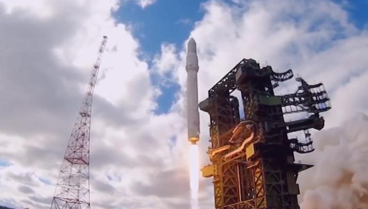"""Военные спутники будут запускать с космодрома """"Восточный"""""""