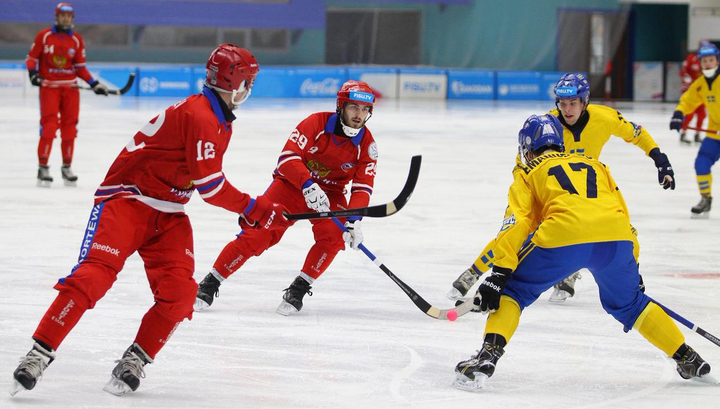 Бенди. Россияне разгромили шведов и сыграют с финнами в полуфинале Универсиады