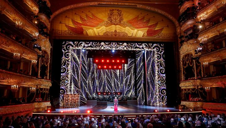 Мединский вручил награду BraVo театру «Астана-Опера»