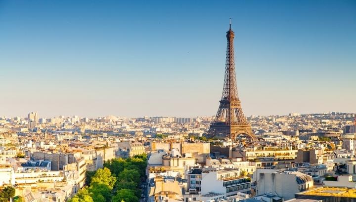 Аналитики выяснили, как изменились цены на отели в популярных городах