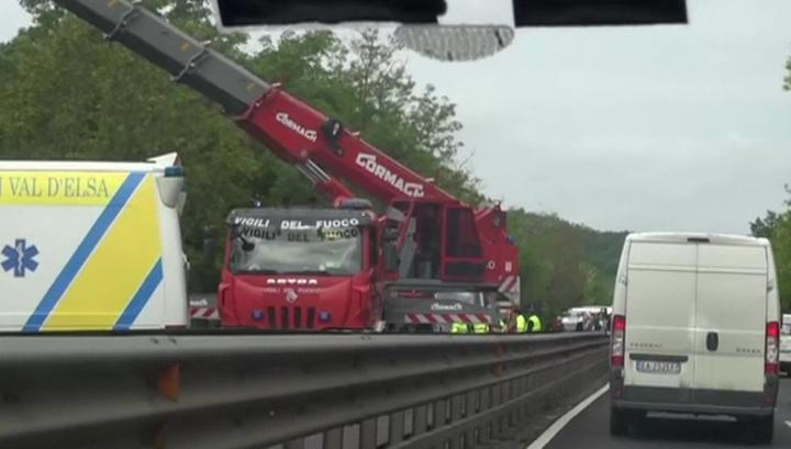 Авария в Италии: водитель был трезв, но мог отвлечься