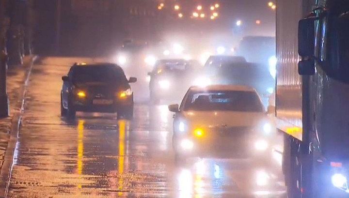 Ливневый паводок нарушил автомобильное сообщение в Приморье