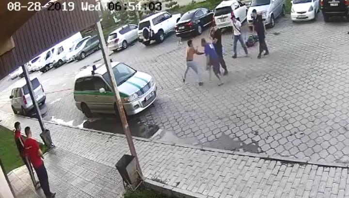 Киргизский милиционер спрятал хулиганов, до полусмерти избивших прохожих