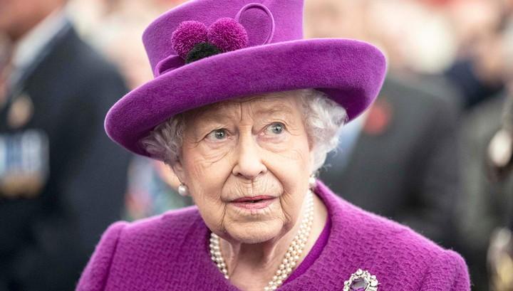 Из-за коронавируса отменили парад в честь дня рождения Елизаветы II