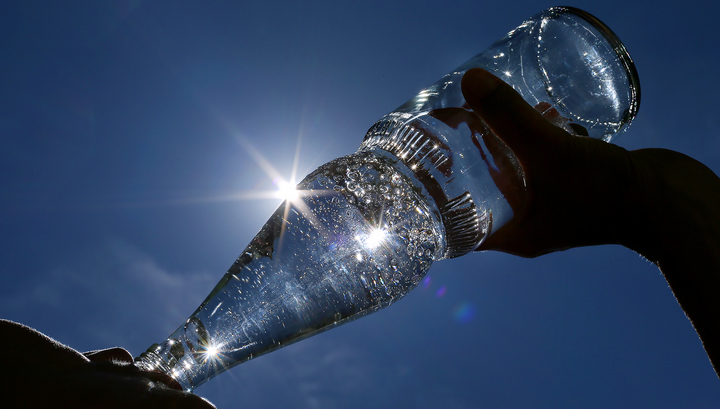 Роспотребнадзор забраковал 150 партий минеральной воды