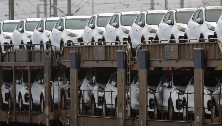 Продажи новых автомобилей в Европе упали в январе