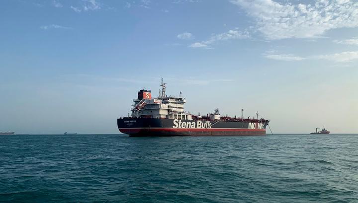 Иран увеличил уровень добычи нефти, чтобы противодействовать санкциям США
