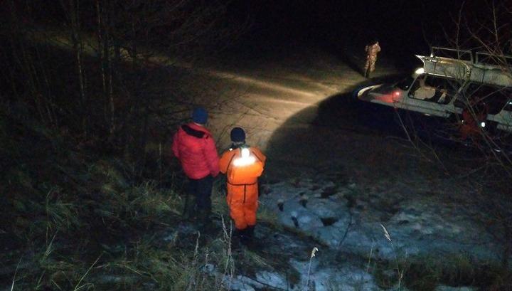 В Марий Эл с оторвавшейся льдины эвакуировали четырех рыбаков